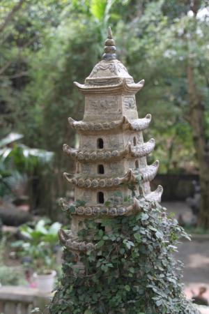 Thanh Chuong Viet Palace: Little Pagoda