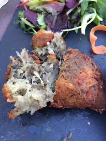 Annemasse, فرنسا: Le beignets de pomme de terre juste honteux