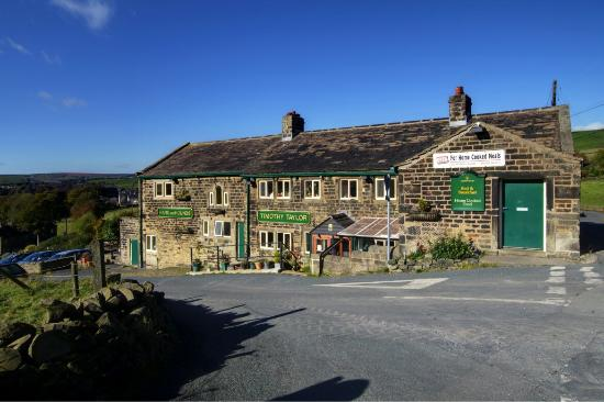 Hare and Hounds Country Inn