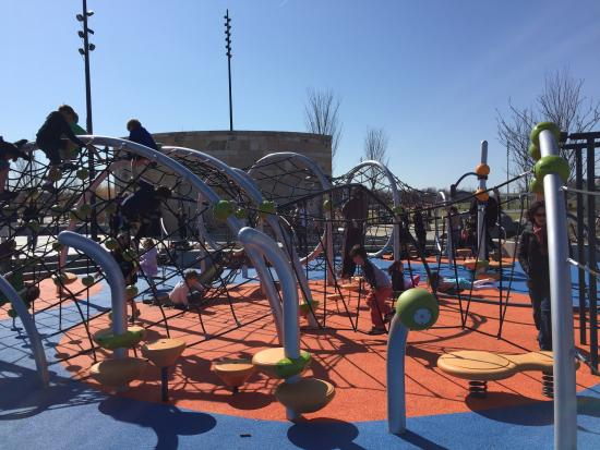 Blue Ash, OH: Rope playground