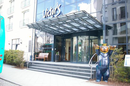 Victor's Residenz-Hotel Berlin: L'entrée de l'hôtel
