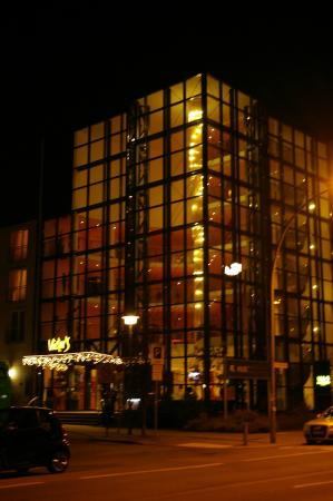 Victor's Residenz-Hotel Berlin: L'hôtel de nuit