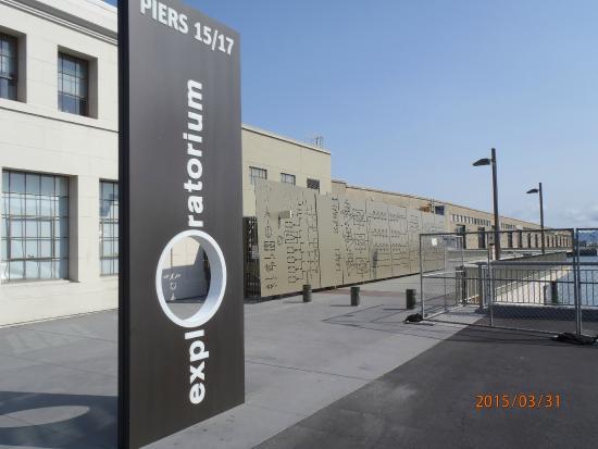 Exploratorium Teens Explore The 64