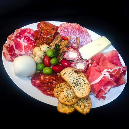RosaLuca's Italian Bistro: Antipasti Plate to Share!
