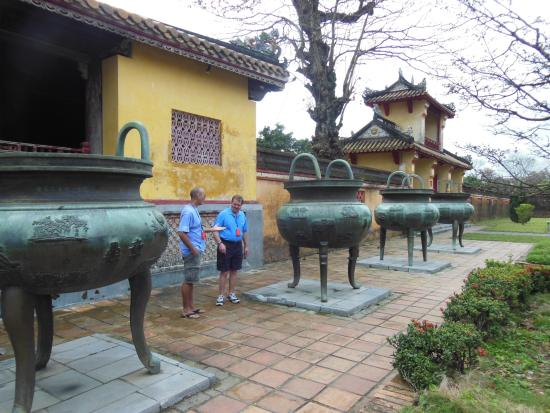 Nine Dynastic Urns: Here are four urns together standing in the shadow of the HIen Lam Pavilion