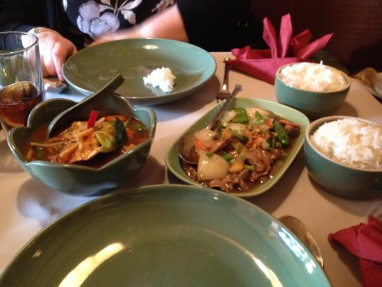 Jintana Thai Restaurant: Our dishes off the early specials menu