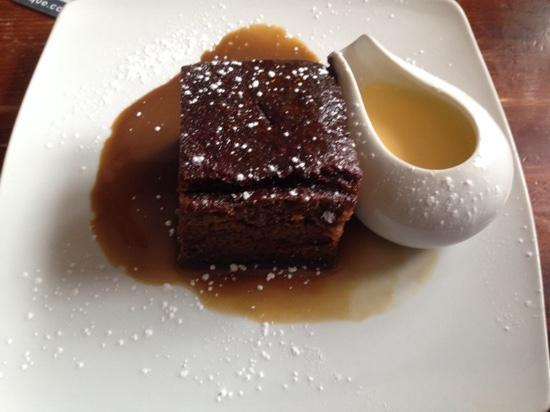 The Manor House Inn: sticky toffee pudding and custard