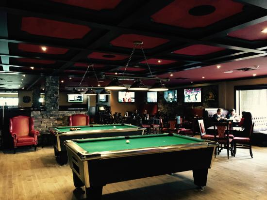 Merveilleux Overtime Sports Bar U0026 Grille: Pool Tables