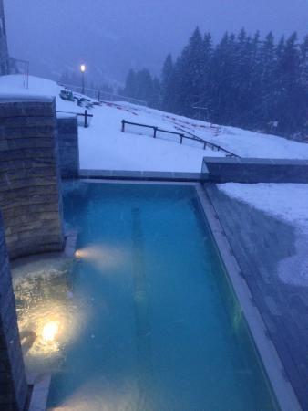 Mineralbad & Spa Rigi-Kaltbad: Outdoor pool