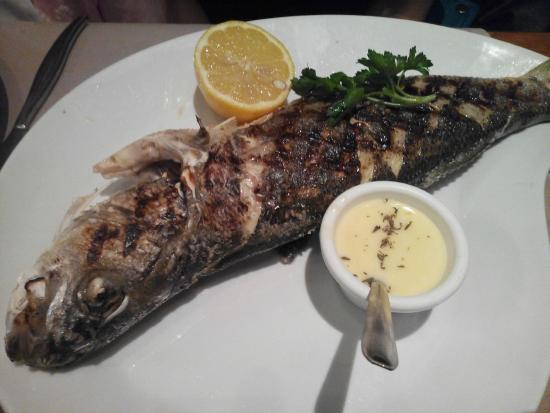 Vin et Maree : Bar grille- grilled sea bass with sauce Bernaise.