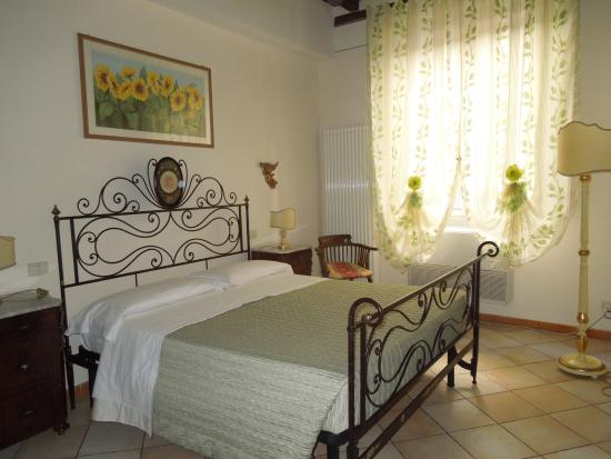 Bed and Breakfast Alle Due Porte: Bedroom