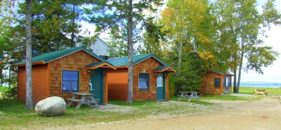 Mackinac Lakefront Cabin Rentals: 3 - person cabin