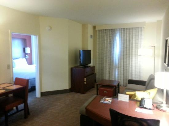 Residence Inn Aberdeen at Ripken Stadium: Nice room!