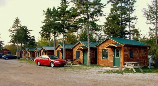 some of the lakeview cabins picture of mackinac lakefront cabin rh tripadvisor com lakefront cottage rentals downeast maine lakefront cottage rentals maine