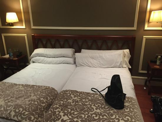 Catalonia Las Cortes: Two Single Beds Do Not Equal One King Bed