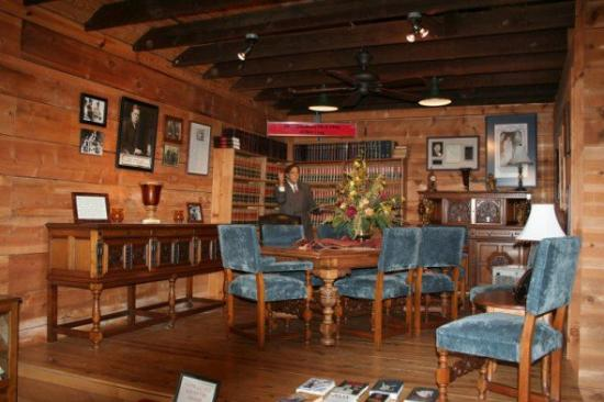 Huey And Rose Long S Dining Room Furniture Picture Of Louisiana