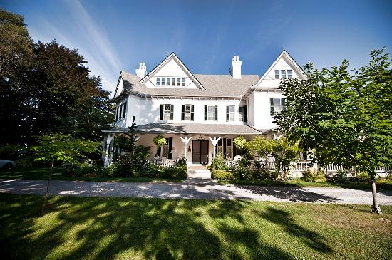 Photo of Grand Victorian Bed and Breakfast Niagara-on-the-Lake