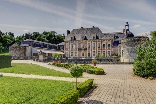 Chateau D'Etoges Hotel