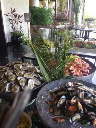 Hyatt Regency Saipan: Hyatt Regency Beach ....and....Sunday Brunch