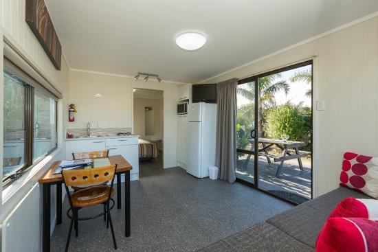 Beachaven Kiwi Holiday Park: Leasure lodge newly updated 2014