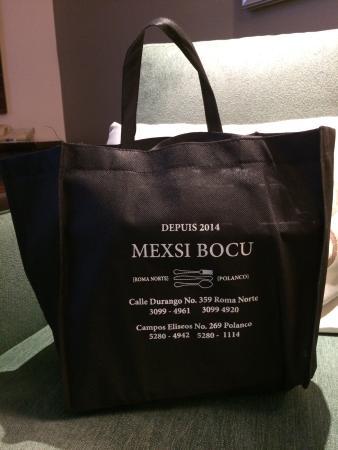 Mexsi Bocu delivers to the JW Marriott!