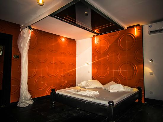 Paje by Night Hotel: the second concept room with the infinity mirror