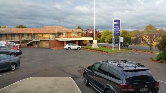 Governor Macquarie Motor Inn: External view