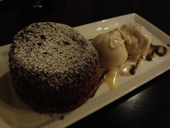 Avvino : Flourless Chocolate Cake