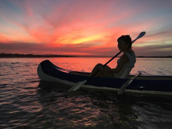 i-Lollo Lodge: Paddling on the lagoon