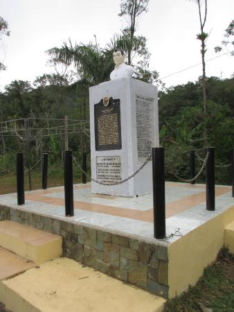 Balamban, Philippinen: The Memorial at the plane crash site