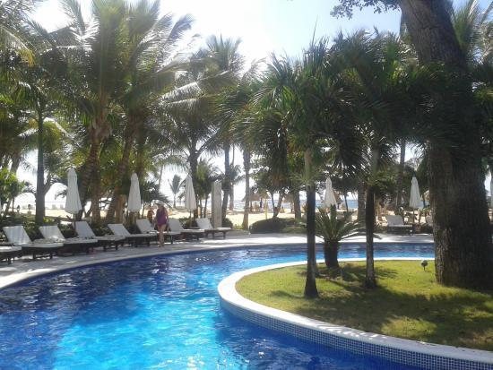 Sol y playa picture of luxury bahia principe cayo for Hotel luxury grand bahia principe cayo levantado