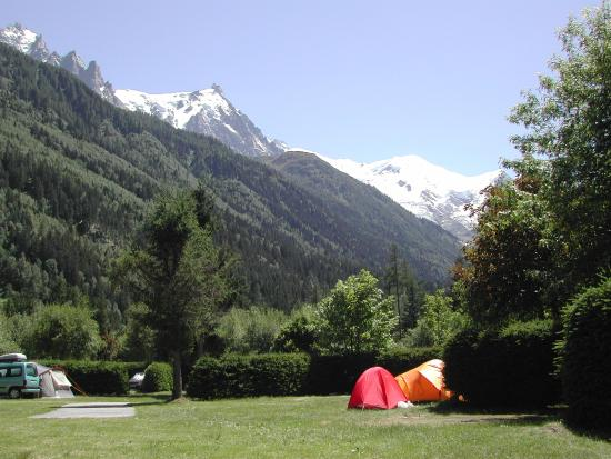 la chaine du mont blanc picture of camping mer de glace chamonix tripadvisor. Black Bedroom Furniture Sets. Home Design Ideas