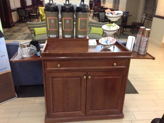Country Inn & Suites By Carlson, Cedar Rapids North: Coffee stand