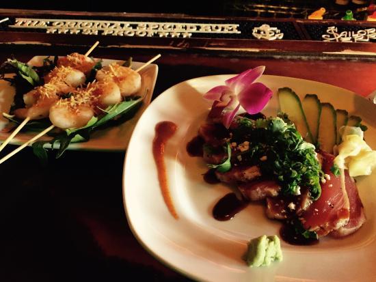 Ventiki Tiki Bar and Lanai: Coconut Shrimp and Ahi Tuna