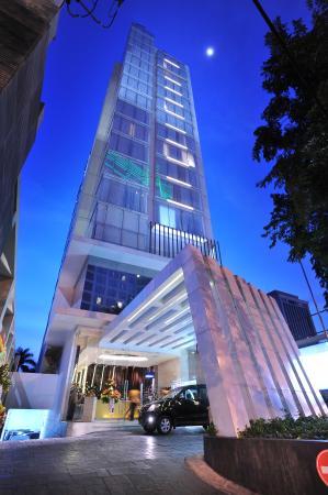 Midtown Hotel: exterior