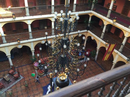 Hôtel El Andaluz : Blick von oben in die Lobby