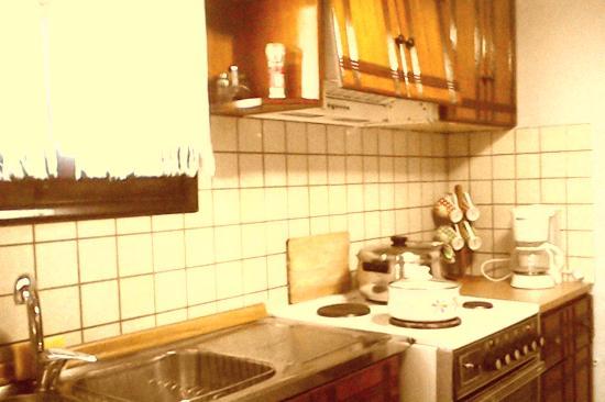 Genari Apartments: kitchen