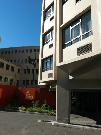 SunSquare Cape Town Gardens: View of Entrance