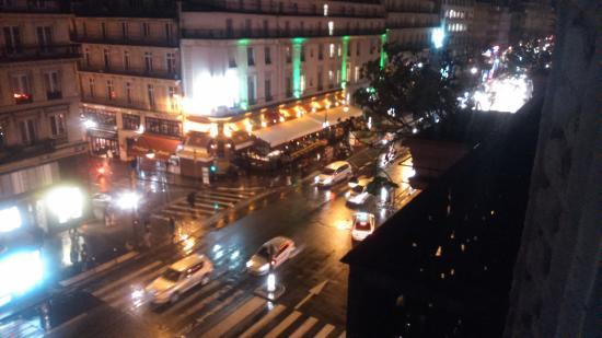 TRYP Paris Opera Hotel: ambiente nocturno
