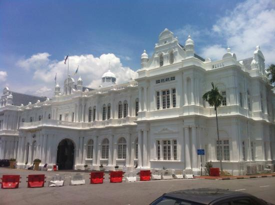 City Hall: Grand old building