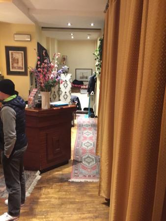 Hotel Ascot Florence : Cattivissimo odore