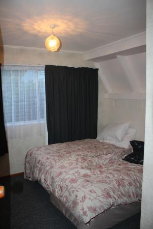 Arrowtown Viking Lodge Motel: downstairs bedroom