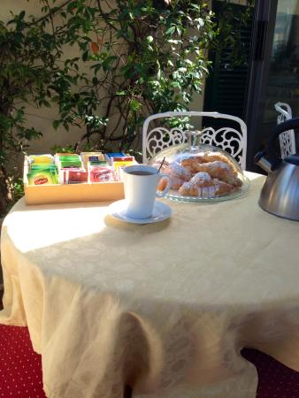 Hotel Madrid: afternoon coffe break