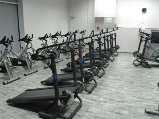 Crunch Fitness Club