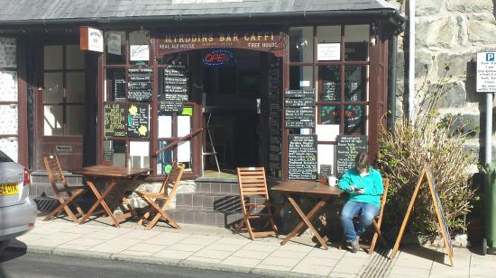 Myrddins Bar Caffi