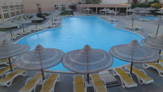 Romance Hotel: Main pool