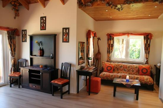 Littlewood Garden: Littlewood Manor Africa Suite