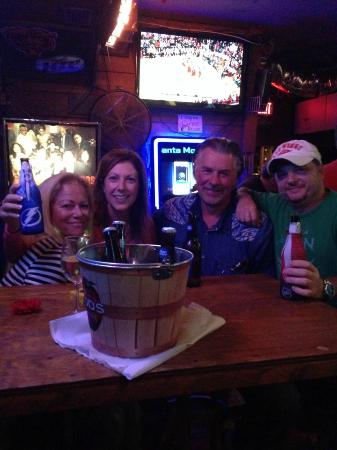 Drunken Clam: Always fun at the Clam!!