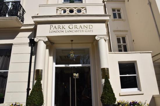 entrance picture of park grand london lancaster gate. Black Bedroom Furniture Sets. Home Design Ideas