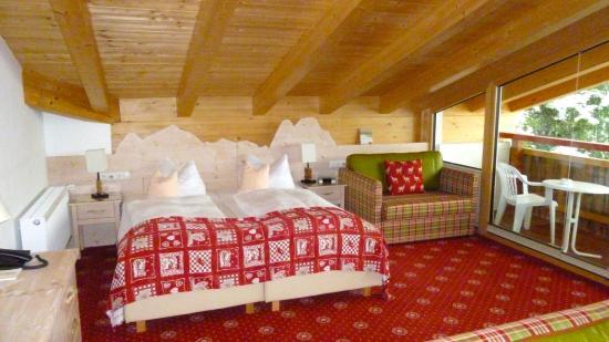 Hotel Rheinischer Hof: Room & view were BEST EVER!